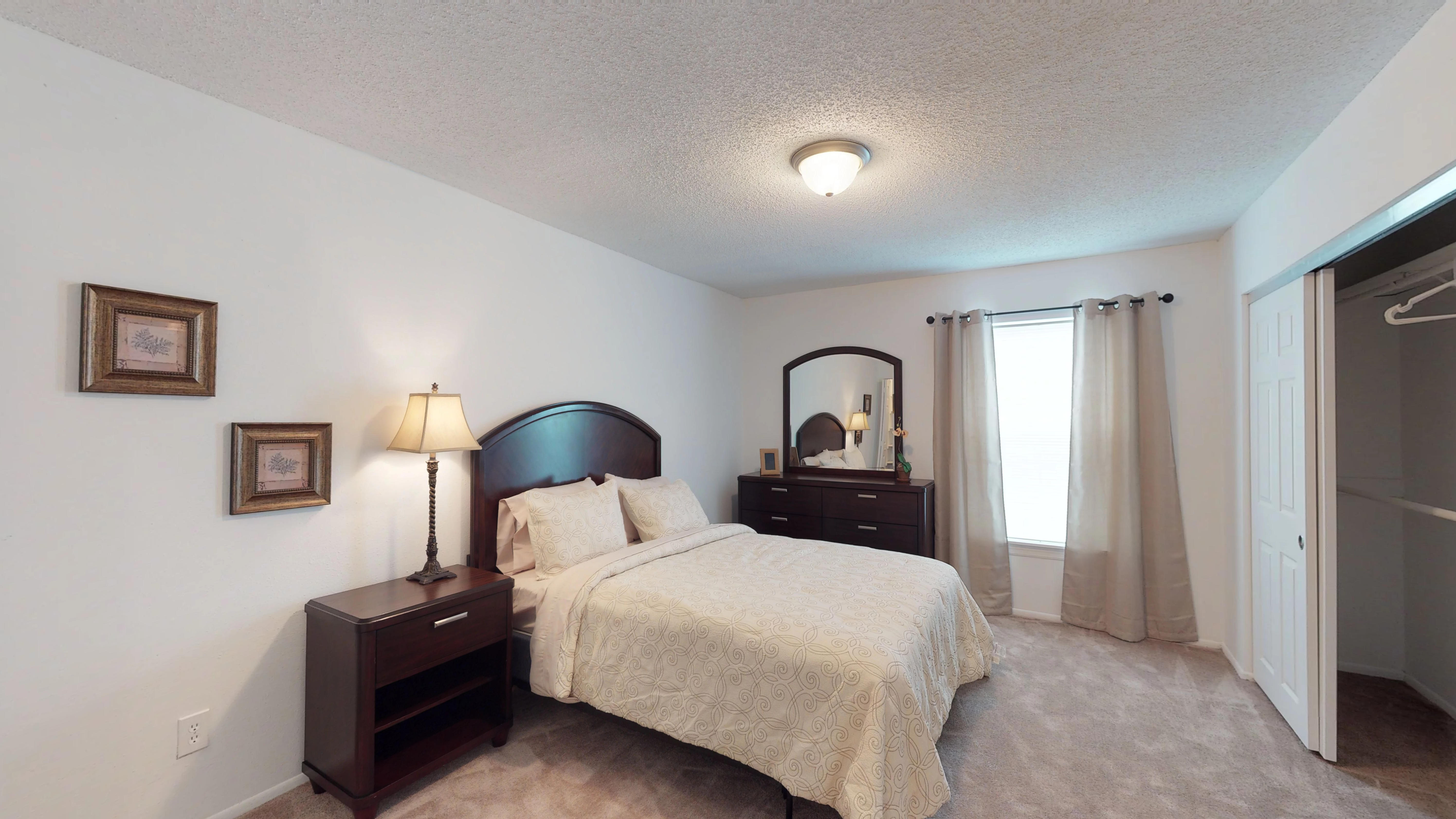 Woodlake-Villas-1-Bed-1-Bath-706B-07202018_091931